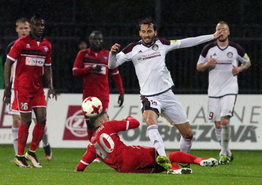 ZP FUTBAL Podbrezova proti Zlatým Moravciam 2:0