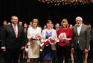 Držiteľom Komenského plakety sa stali: PaedDr. K. Zingorová, Ing. M. Pindiaková, Mgr. Ľ. Peťková