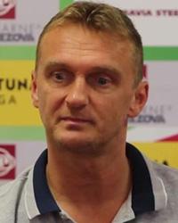 Hlavný tréner Karol Praženica