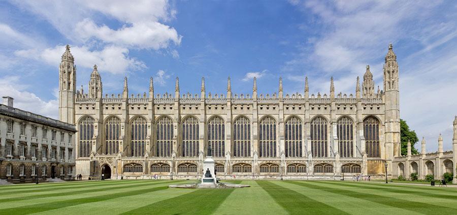 Areál univerzity so slávnouKing's College Chapel vpozadí