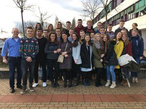 V predvianočnom období sa Súkromnému gymnáziu Železiarne Podbrezová podarilo oficiálne odštartovať novú medzinárodnú spoluprácu s nemeckým gymnáziom z Kaiserslauternu a poľským lýceom zo Sycowa.