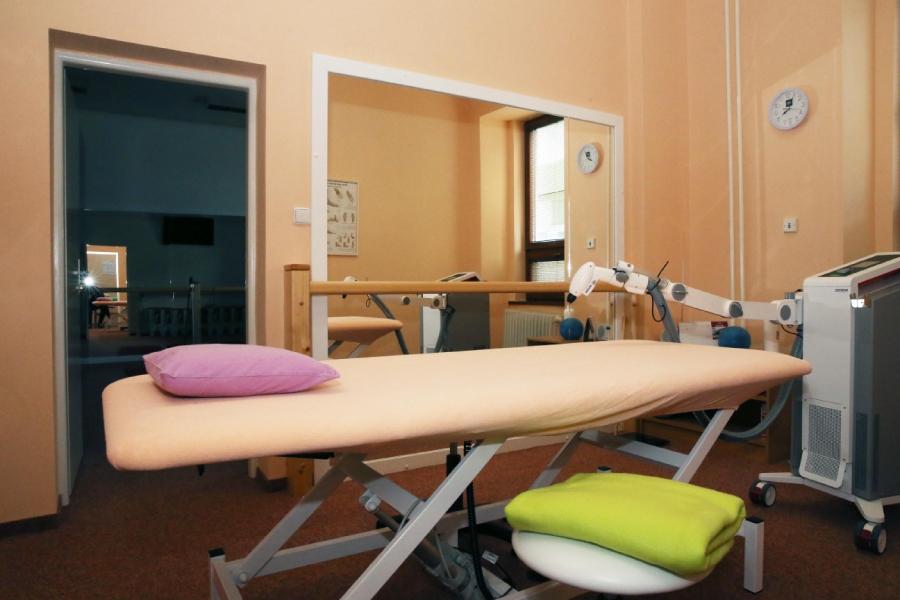 Prístroj Cryofl ow ICE - CT, ktorým sa aplikuje lokálna kryoterapia v ŽP Rehabilitácia