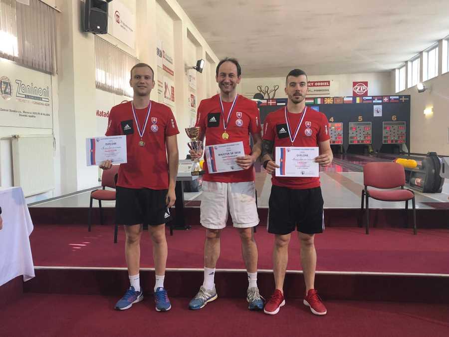 Najlepší muži na M-SR v kolkoch, zľava Martin Kozák, Bystrík Vadovič a Erik Kuna