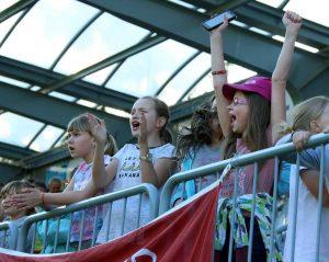 Žiaci zo ZŠ vo Valaskej si zápas užili, futbal bavil nielen chlapcov