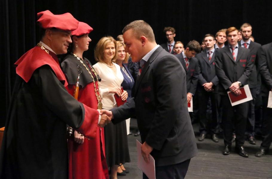 Slávnostné vyraďovanie absolventov súkromnych škôl ŽP