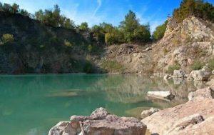 Jazero Beňatina patrí k prírodným pamiatkám. Zdroj: internet