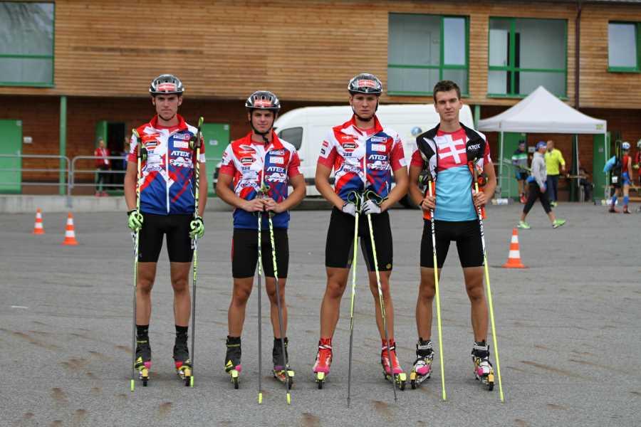 Juniori Slovenska na MS v letnom biatlone na kolieskových lyžiach. Zľava: Tomáš Sklenárik, Matej Baloga (Fox team Prešov), Samuel Hubač (KB Vyhne) a Lukáš Ottinger