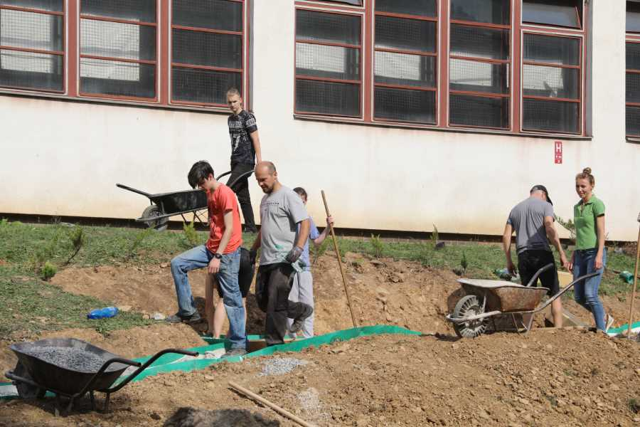 Budovanie náučného chodníka v areáli súkromných škôl ŽP