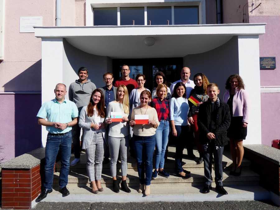 """Účastníci medzinárodného stretnutia v rámci projektu """"Les 3.0 – naše kultúrne dedičstvo"""" v poľskom meste Sycow"""