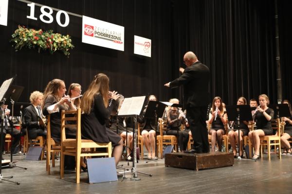 Mládežnícky dychový orchester zo Slovenského Komlóša