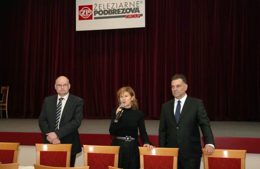 Ocenených zamestnancov za vernosť privítali členovia Predstavenstva ŽP.