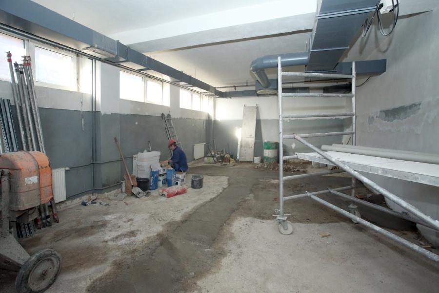 Oprava šatní v novom závode Železiarní Podbrezová