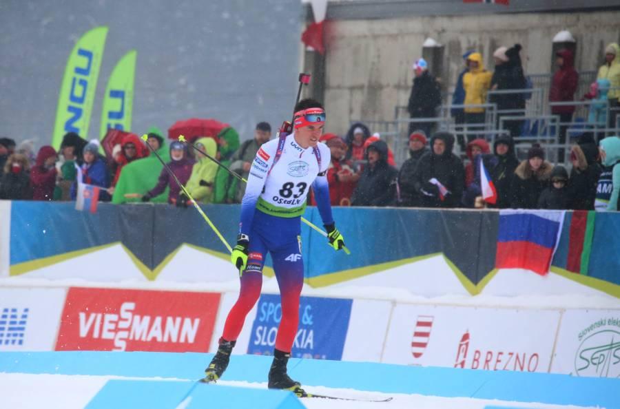 Lukáš Ottinger na trati počas šprintu juniorov. Foto: A. Nociarová