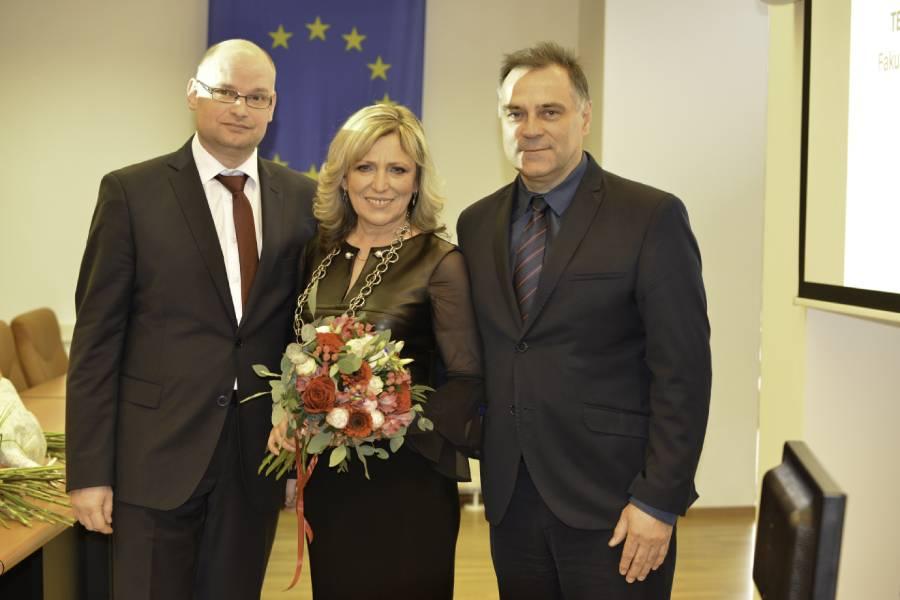 Iveta Vasková v spoločnosti členov Predstavenstva ŽP a.s. Milana Srnku (vľavo) a Miloša Dekréta (vpravo)