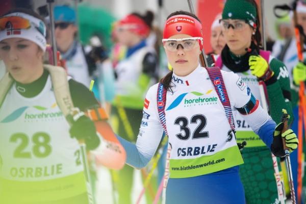 Ema Kapustová na štarte stíhacích pretekov