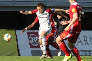 Dávid Leško bol aktívny smerom dopredu v obidvoch zápasoch. Foto: I. Kardhordová