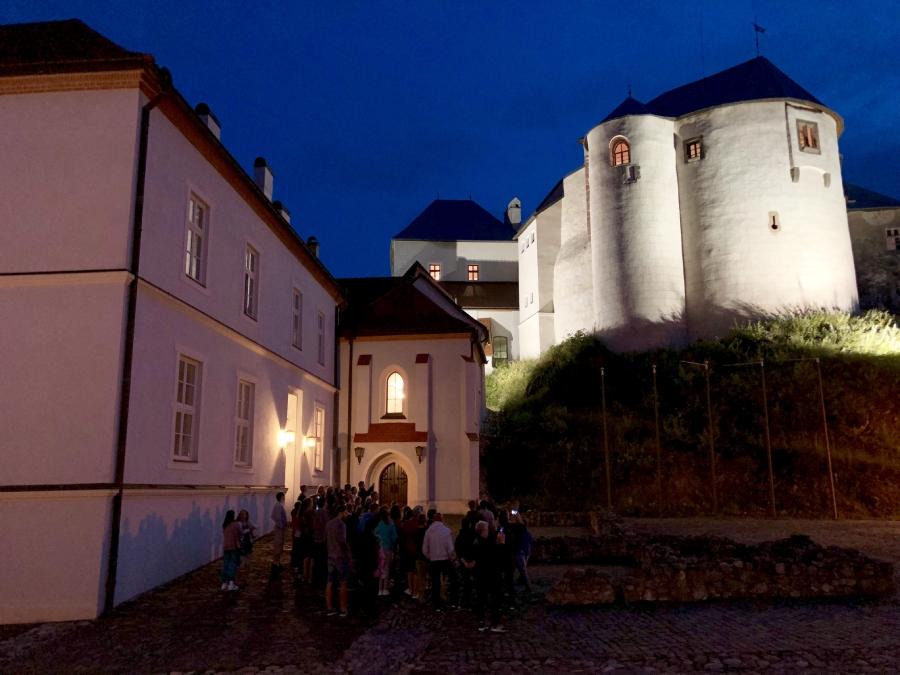 Návštevnosť hradu počas nočných prehliadok bola rekordná.