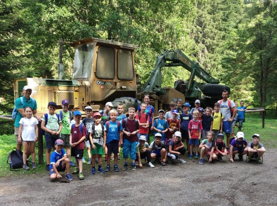 Okrem futbalových tréningov deti v tábore navštívili aj kúpalisko v Podbrezovej, boli na turistike pod Skalkou  či v lesníckom skanzene Vydrovo.