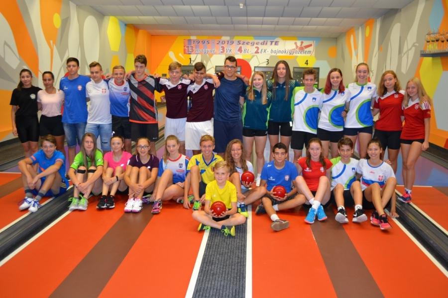 Medzinárodného kolkárskeho kempu mládeže v maďarskom Szegede sa zúčastnilo dvadsaťosem nádejných kolkárov zo šiestich štátov