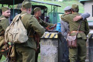 Dobové uniformy vojakov pôsobili veľmi dôveryhodne. Foto: I. Kardhordová