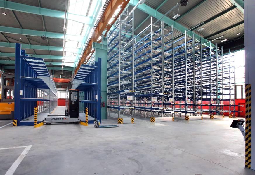 Sklad náhradných dielov v novom závode prešiel kompletnou modernizáciou.