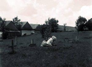 Cintorín v Šumiaci, rok 1956. Foto: FB – Horehronský etnografický kaleidoskop
