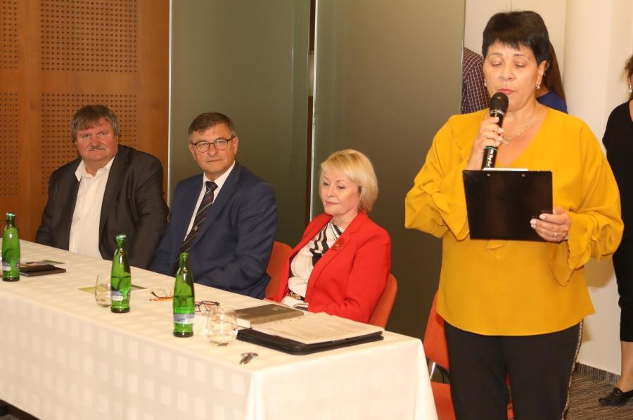 Zľava: Ing. J. Mačejovský, Ing. J. Banas,doc. PhDr. B. Frčová a Mgr. Z. Veždúrová