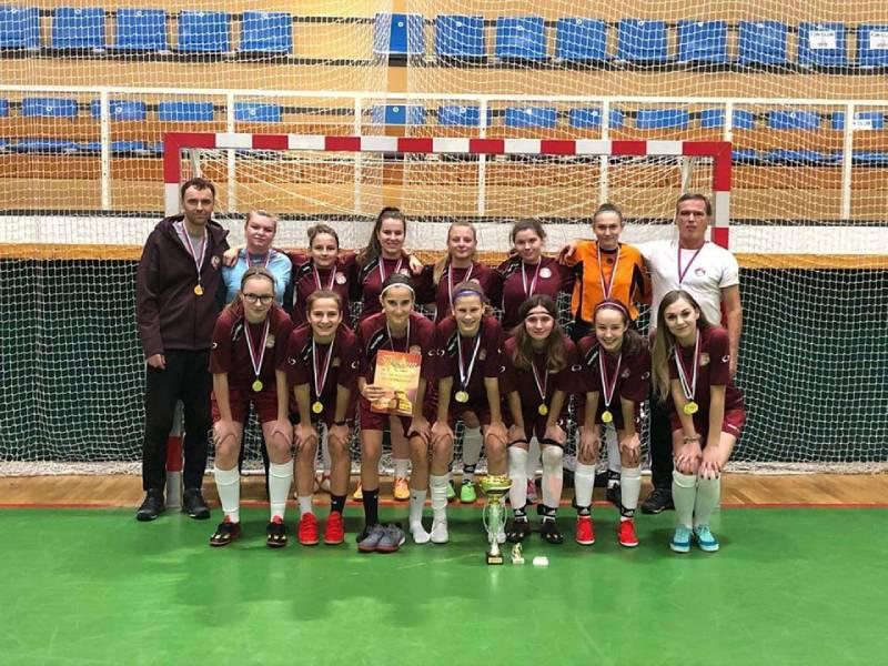 Juniorky FK Železiarne Podbrezová zvíťazili na halovom turnaji v Žiline