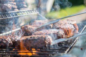 Údené mäso by sme nemali jesť príliš často. Ilustračné foto: pexels.com