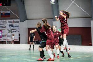 Žiačky FK Železiarne Podbrezová počas finálového turnaja v Púchove