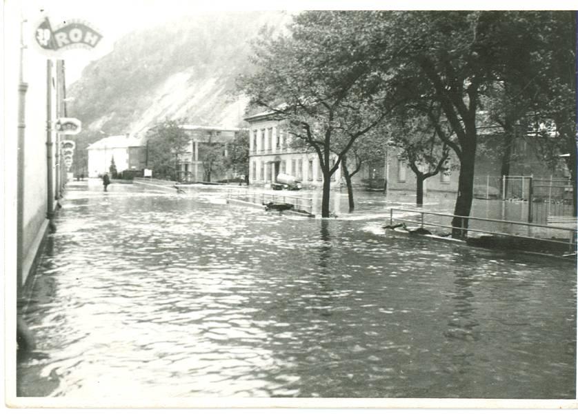 Povodeň v roku 1974 zničila starý závod. Foto: archív redakcie