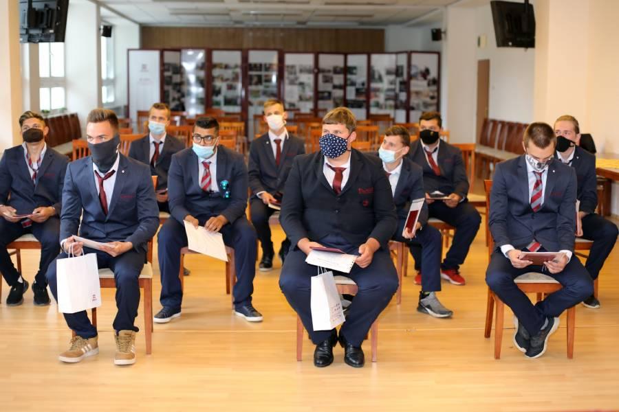Úspešní absolventi učebného odboru obrábač kovov. Foto: I. Kardhordová