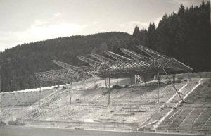Výstavba nového štadióna v Podbrezovej (dnešná Zelpo aréna) začala v roku 1952 a trvala sedem rokov. Štadión bol odovzdaný do užívania 1. augusta 1959. Foto: archív redakcie