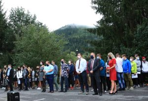 Jednotlivé triedy počas otvorenia nového školského roka. Foto: A. Nociarová
