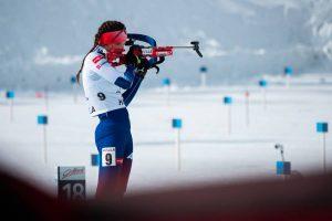 Naša biatlonistka počas streľby vo vytrvalostných pretekoch na mládežníckych majstrovstvách sveta v Obertilliachu. Foto: I. Stančík