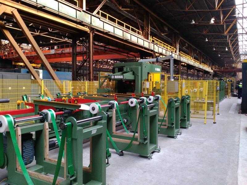 Nové deliace zariadenie od firmy Reika v prevádzkarni ťahareň rúr.