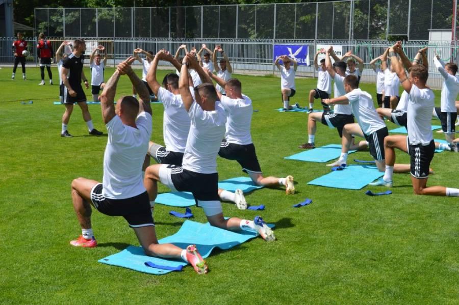 Naši futbalisti na úvodnom tréningu prípravy na novú sezónu druhej ligy