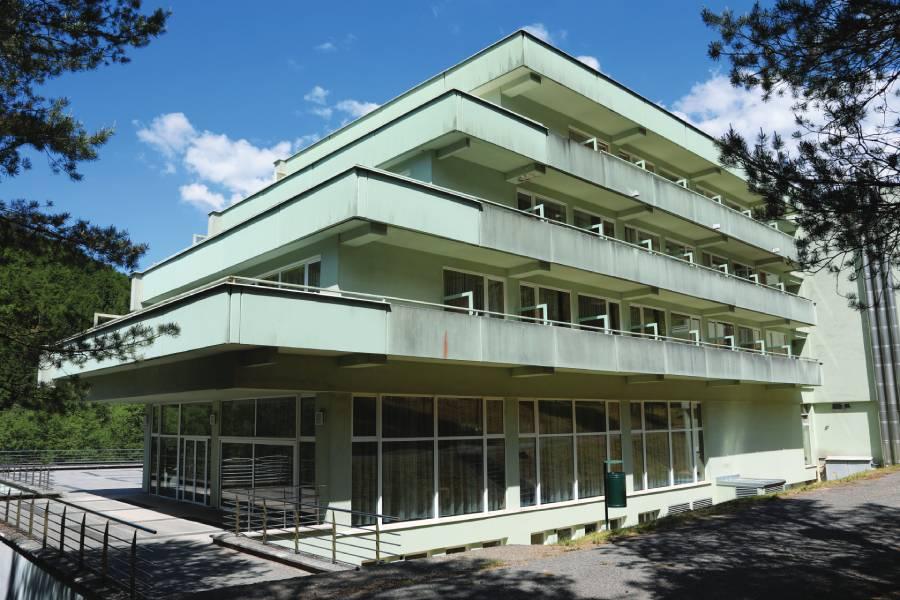 Pohľad na liečebný dom Poľana.